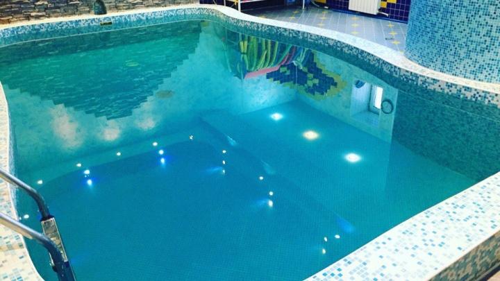 В воде нашли опасные микроорганизмы: в Перми приостановили работу бассейна Edward's Gym