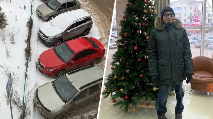 «Не нравится, когда он топает»: в Башкирии соседи затравили парня с ДЦП и его семью