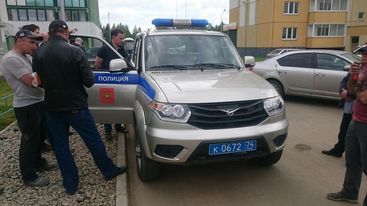Бетоновозы на территорию площадки Роман Никитин не пускал более трех часов
