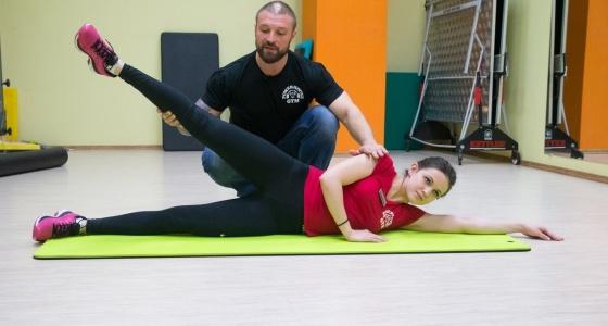Весеннее обострение: показываем упражнения от екатеринбургского качка, которые сделают секс горячим