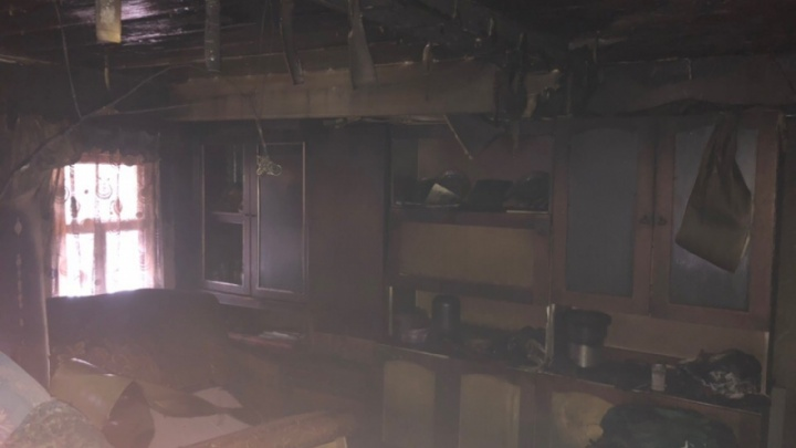 «Случился приступ астмы»: житель Коряжмы попал в реанимацию после пожара в собственном доме