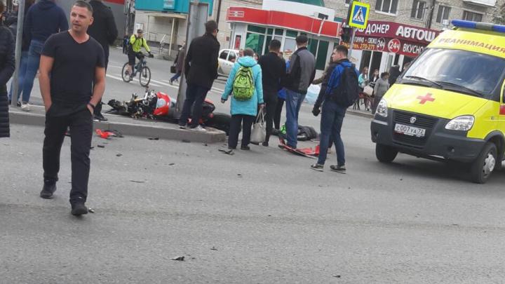 В ДТП на Республики погиб мотоциклист. Его личность устанавливается