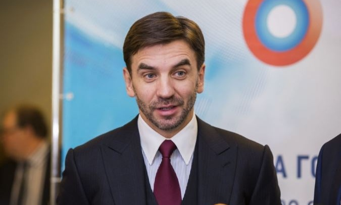 Суд арестовал 437 млн рублей, три квартиры и два дома Абызова