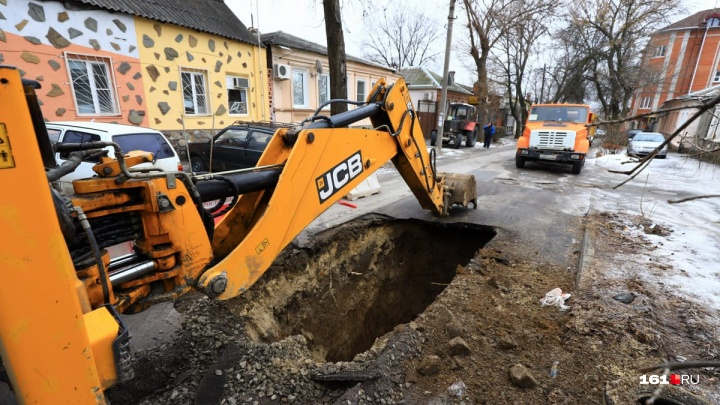Дубль три: на 31-й Линии под землю снова ушел кусок дороги