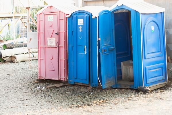 Идею поставить туалеты на конечных остановках поддерживают и горожане, и водители автобусов