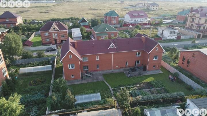 Личный дворец в Омской области: подборка коттеджей-замков