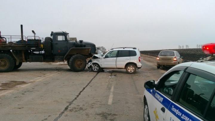 Массовая авария на трассе в Башкирии: грузовик врезался в легковушки