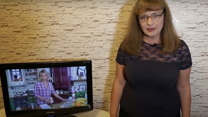 «Училка» против Урганта. Нижегородка отчитала известных телеведущих за ошибки