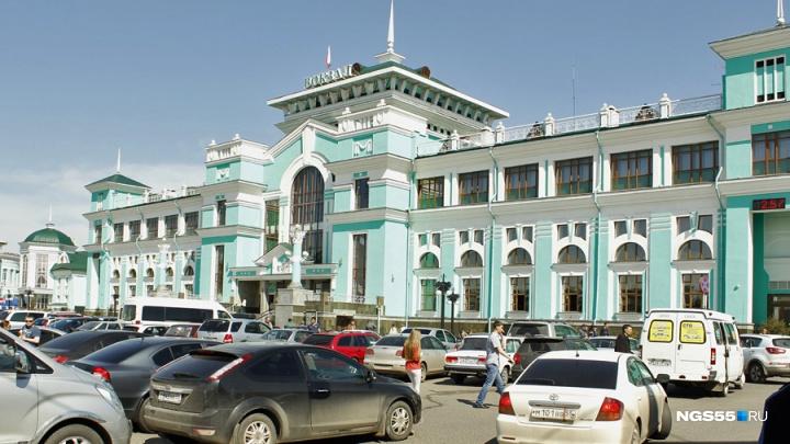 На омском железнодорожном вокзале и в ближайших домах отключат воду из-за ремонта