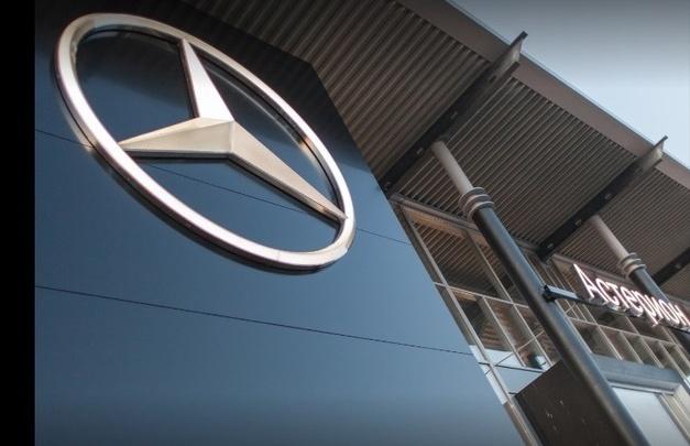 В Тюмени задержали мужчину, который угнал иномарку прямо из центра Mercedes-Benz