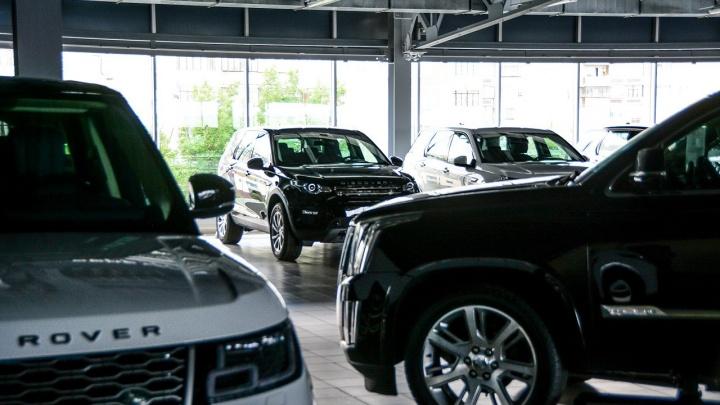 Тормозить не хотят: автомобили подешевели, готовясь к большому скачку цен