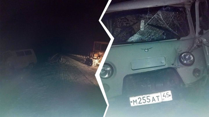 В Вагайском районе гусеничный трактор столкнулся с «буханкой»