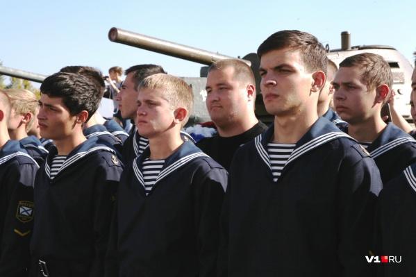 Это первые из трех тысяч новобранцев Волгоградской области
