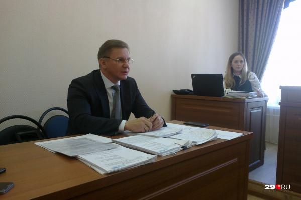 Интересы московского «Технопарка» в суде представлялзаместитель генерального директора компании Денис Синельников