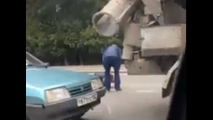 Дорожные войны: в Уфе водители устроили мордобой