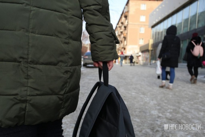 Максима Логинова сейчас везут к родителям