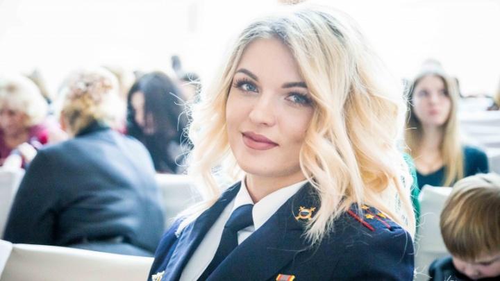 Эффектная блондинка в погонах победила в конкурсе для омских девушек-полицейских