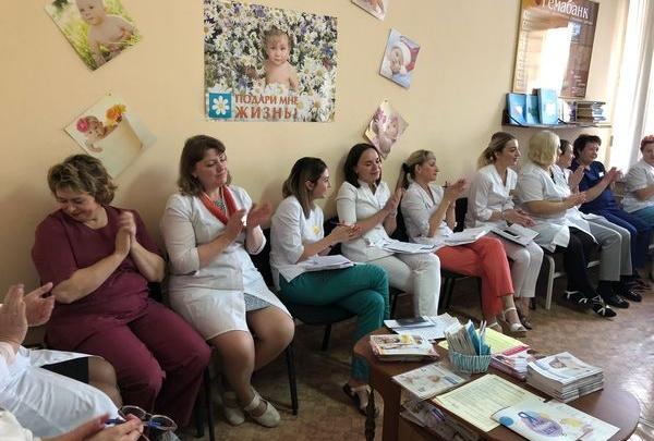 В Красноярске наградили врачей, которые смогли отговорить от абортов больше всего женщин
