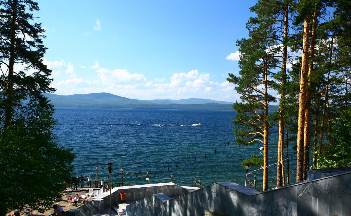 Санаторий «Жемчужина Урала» расположен на берегу чистейшего озера Тургояк