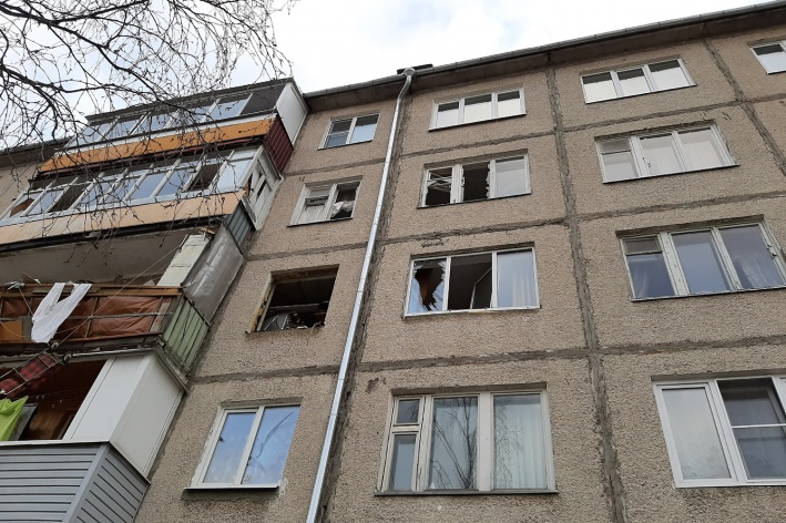 От взрыва выбило стёкла в нескольких квартирах