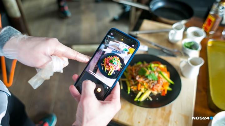 «Борщ с косулей и меню на английском»: чем красноярские рестораны покоряют иностранцев