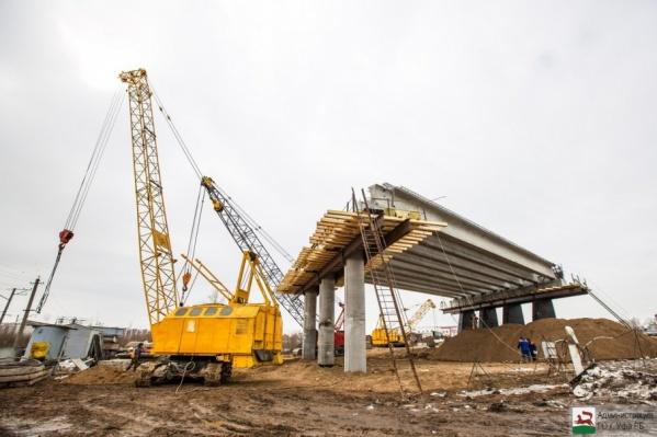 На месте строительства развязки переустроен магистральный водопровод