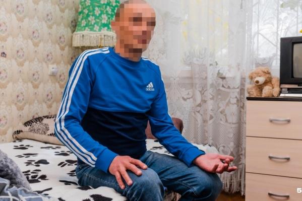 Мужчина больше не в обиде на медиков за то, что они хотели лечить его от туберкулеза, а его сына — защитить от заражения