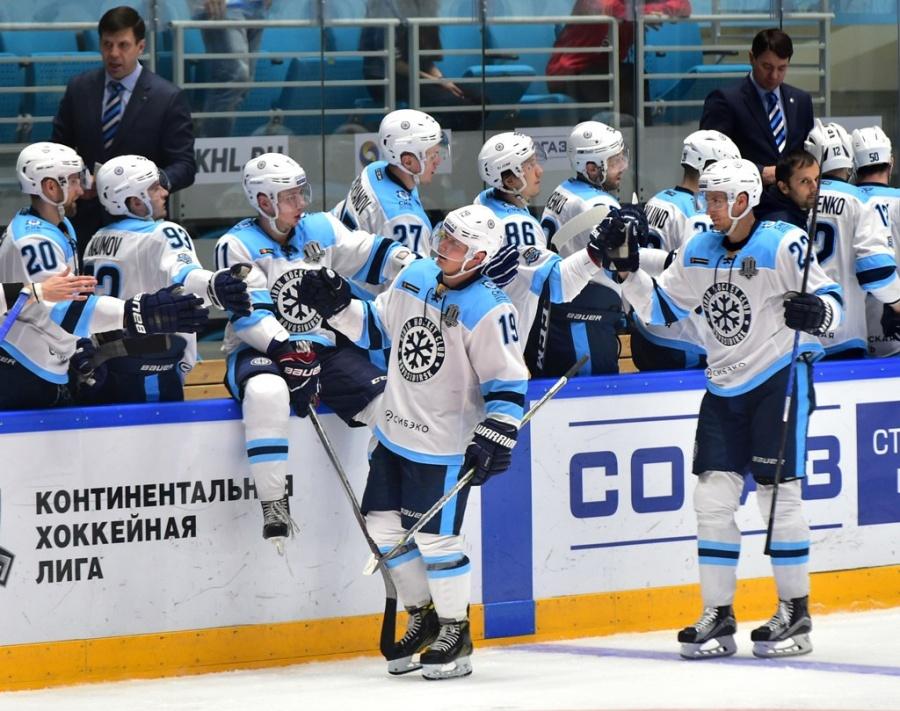 «Сибирь» обыграла «Барыс», 21-летний Красиков провел 1-ый матч всезоне