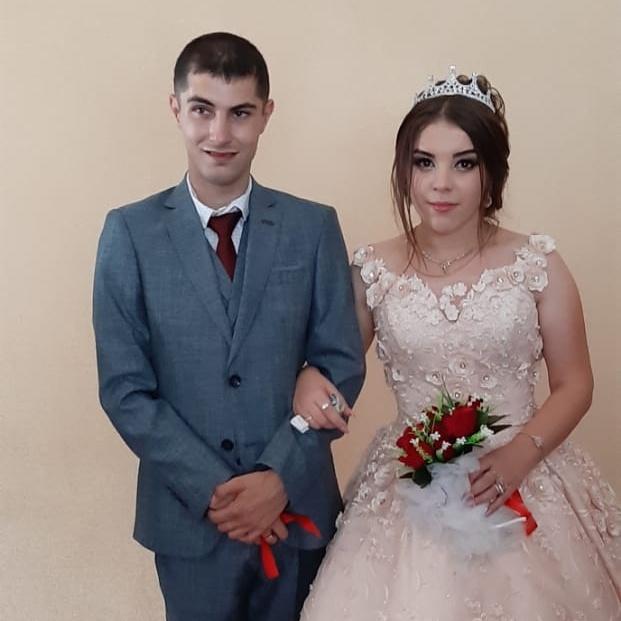 Недавно он встретил девушку своей мечты — пара познакомилась в Азербайджане. В августе 2019 года Шафа вышла замуж за Гошгара