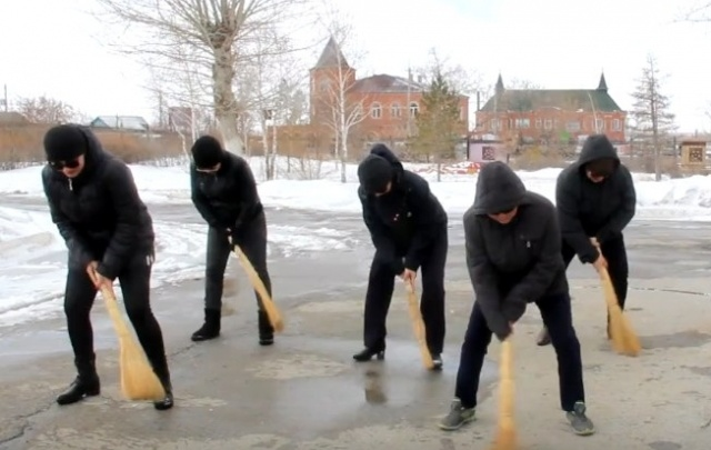 Библиотекари из Башкирии сняли клип-пародию на хит «Тает лед»
