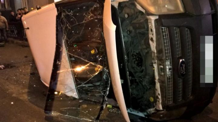 Подробности ночной аварии в Уфе: в перевернувшейся маршрутке пострадал мальчик