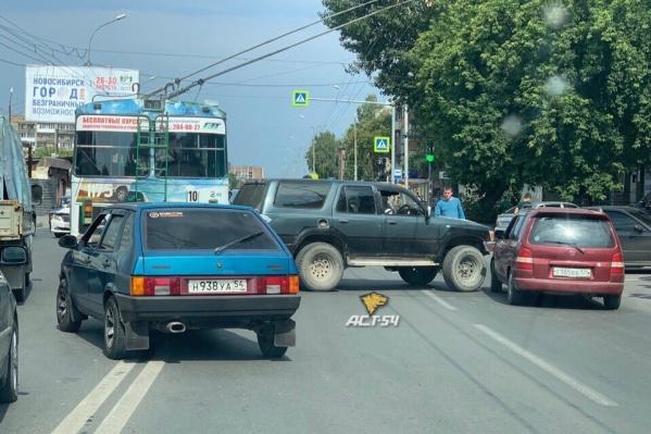 Авария случилась на перекрёстке Гаранина и Бориса Богаткова