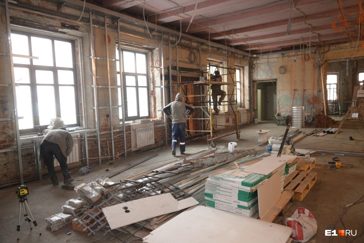 На первом этаже будут находиться мастерские безграничных возможностей, где ребята с инвалидностью смогут проходить профориентацию и трудотерапию — этот проект победил на «Екатерининской ассамблее»