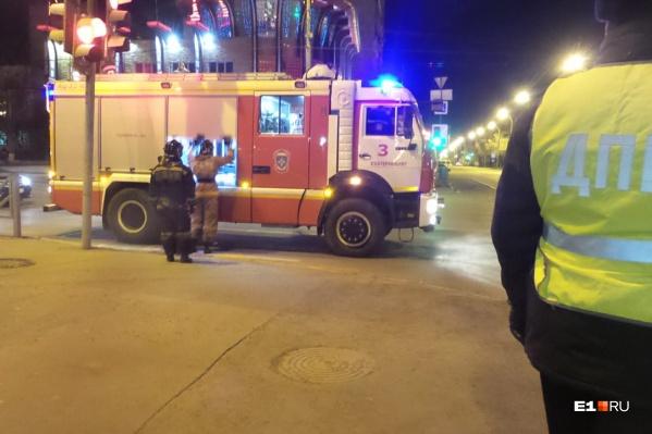 На место происшествия выезжали спасатели