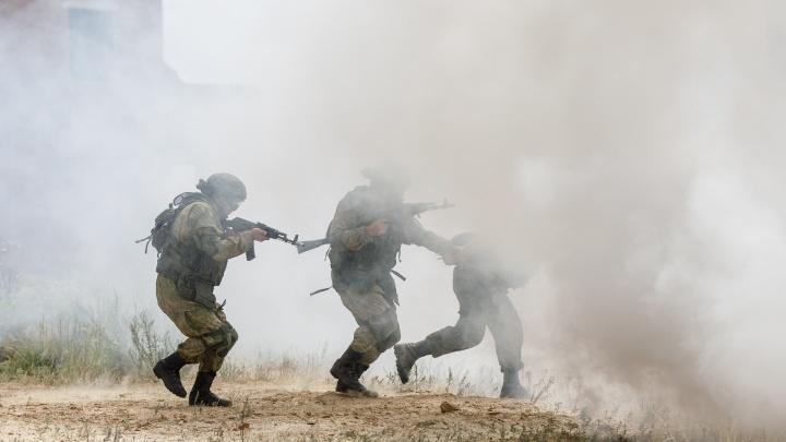 На полигон в Волгоградской области по тревоге стянули полторы тысячи военных