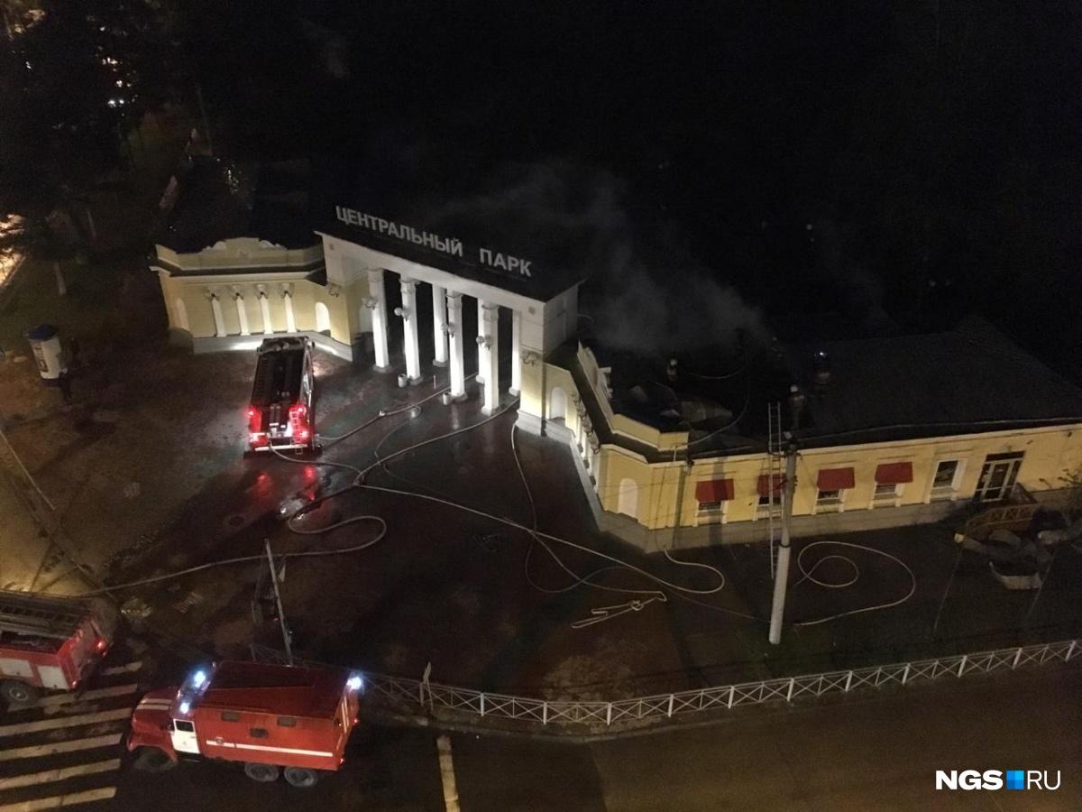 В момент пожара в кафе не было посетителей, а персонал смог эвакуироваться самостоятельно