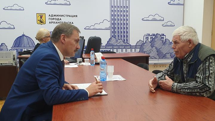 «Всегда внимательно изучаю вопрос»: как попасть на личный прием к главе Архангельска Игорю Годзишу