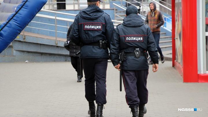 У омского предпринимателя украли шесть миллионов из салона «Лексуса»