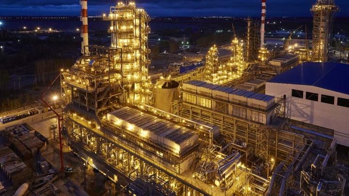 Антипинский НПЗ приостановил переработку нефти. Это значит, что его скоро закроют?