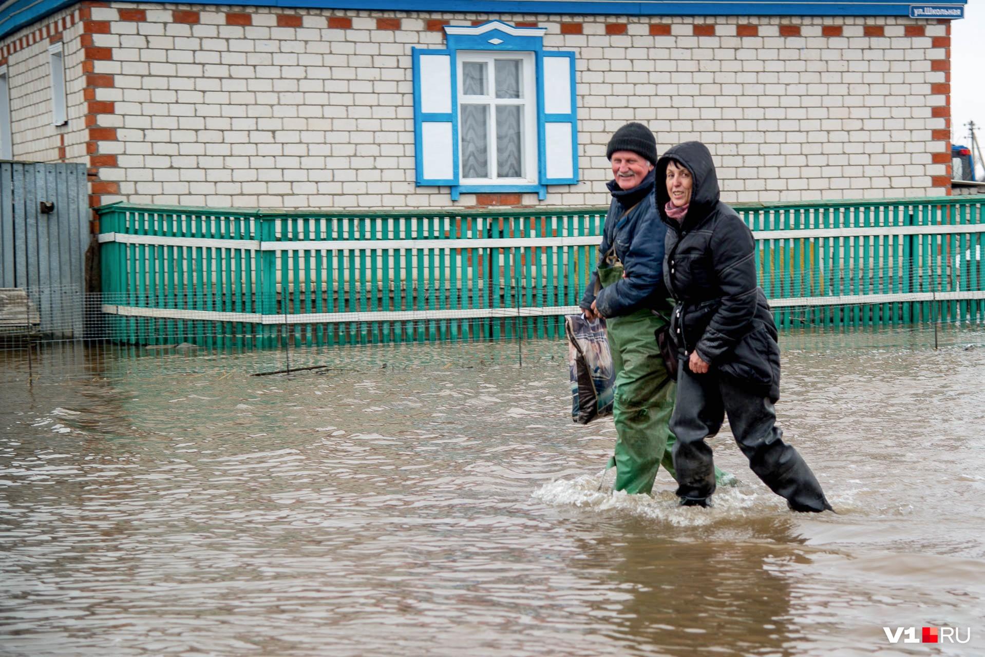 Одного только факта наводнения или землетрясения недостаточно для получения компенсации: нужно, чтобы в регионе ввели особый режим ЧС