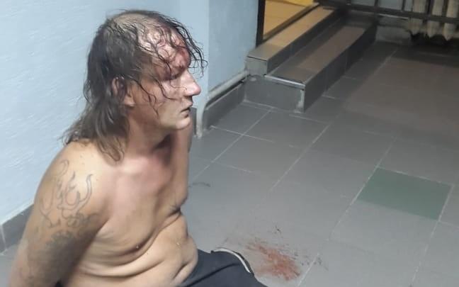 Обещал всех перерезать: в Волгограде молодой мужчина взял в заложники женщину и шестилетнего ребенка