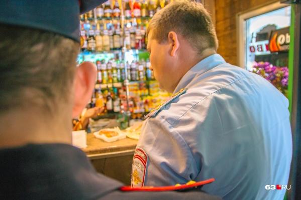 Сейчас с разливайками борются полицейские — ищут неучтенный алкоголь