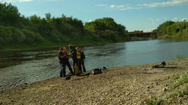 Водолазы нашли тело мальчика, пропавшего накануне возле Малочаусовского моста в Кургане