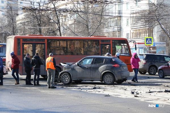 Ежедневно в Нижнем Новгороде происходит множество ДТП— среди них и с летальным исходом