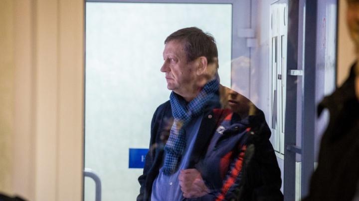Суд оставил под стражей бывшего директора клиники Мешалкина Караськова