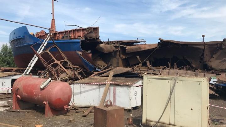 «Судно разлетелось на куски»: взрыв на барже в Волжском не признали терактом
