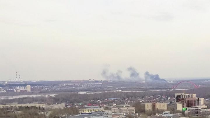 Над Первомайским районом поднялся чёрный дым