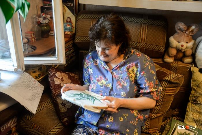 Наталия рисует с детства, она с отличием окончила отделение изобразительных искусств университета