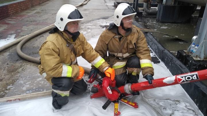 Горела установка с гудроном: на Новокуйбышевском заводе масел и присадок произошел пожар