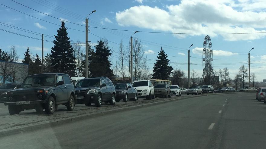 Ехал за новой — лишился старой: челябинцев оставили без автомобилей, пока они ждали розыгрыш машины